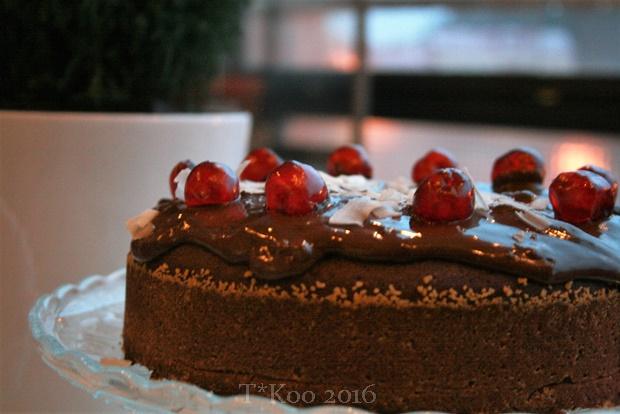 Suklaa-punajuurikakku