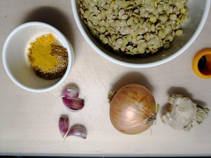 Nepalilainen kasvis-linssimuhennos