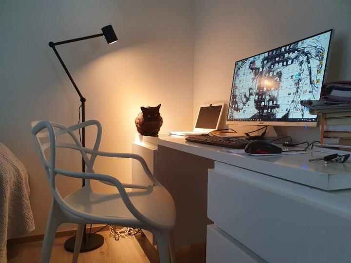 Mummomakkarista visuaalisen alan opiskelijanhuoneeksi